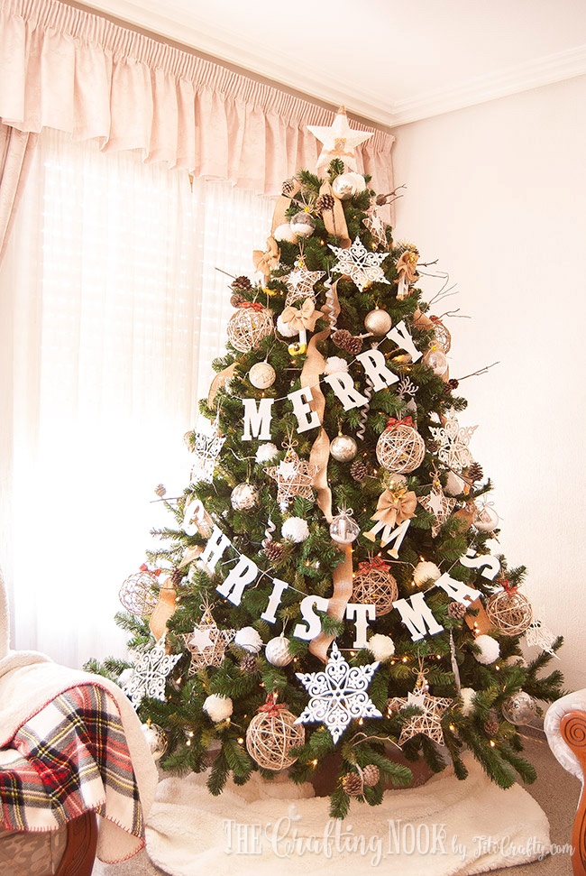 17 Stunning Christmas Tree Decorating Ideas That Are